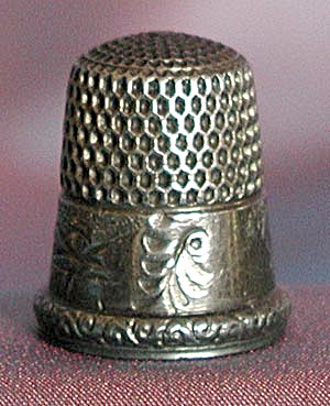 Vintage Sterling Thimble With Embossed House