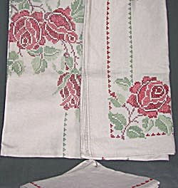 Vintage Linen Cross Stitched Tablecloth & Napkins