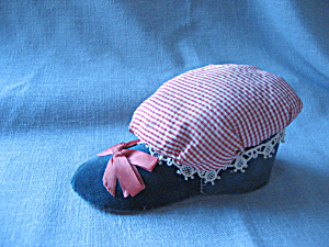 Velvet Slipper Pin Cushion