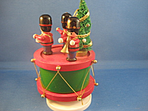 Musical Figurines With Christmas Tree Music Box