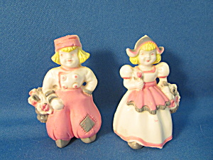 Plastic Dutch Boy And Girl Salt And Pepper Shakers