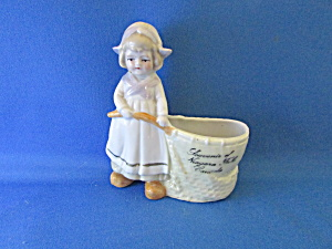 Little Dutch Girl Planter Or Vase From Niagara Falls