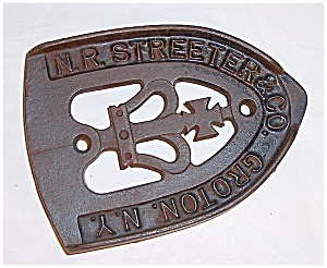 Cast Iron - N. R. Streeter & Co. Groton, N.y. - Stand / Trivet