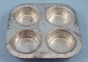 Children's Dishes - Muffin Tin - Four
