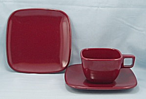 Brookpark Pattern, Maroon - Melmac Dish Set, 3 Pc.