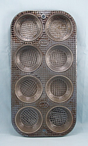 Vintage - Ekco No. X 80 Textured Muffin Pan - Holds 8