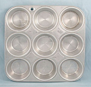 Mirro - 5373 M - Muffin Pan