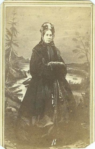 Cdv Woman In Winter Attire Photographed In Maine
